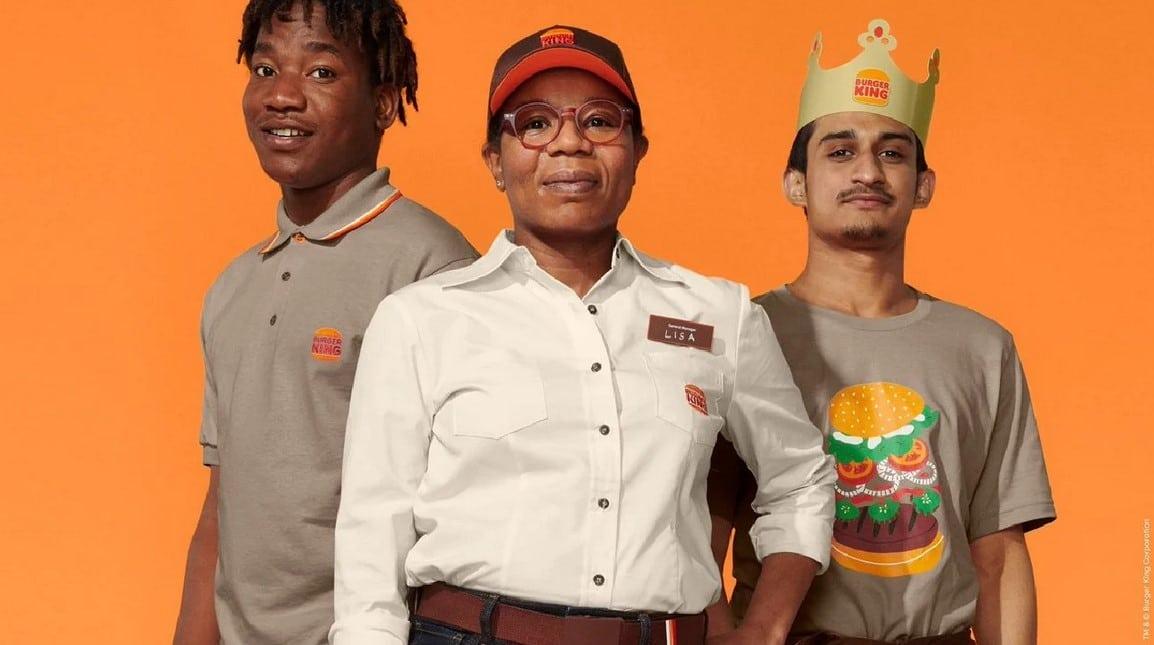 Burger King çalışanları logo değişikliği